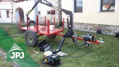 Dodání samostatné hydraulické ruky Vahva Jussi 320 včetně podpěrných nohou. Montáž na vlečku domácí výroby