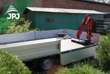 Hydraulická ruka Maxilift ML 110.3 nainstalována na zákazníkův nákladní přívěs